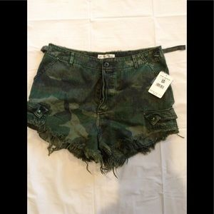 We The Free Size 12 Camo High Rise Cut off Shorts